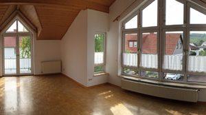 Wunderschöne 3 Zi. DG Wohnung, hohe Decken, Klimaanlage +EBK /ab 1.11.19 frei